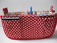 Purse Organizer...Good idea for those cavernous purses with nothing of this sort inside.