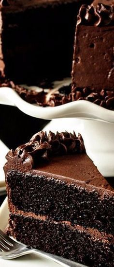 The Best Chocolate Cake recipe - that frosting just looks divine! Chocolate cake is one of my favorite desserts! Amazing Chocolate Cake Recipe, Best Chocolate Cake, Chocolate Desserts, Magic Chocolate, Chocolate Buttercream, Delicious Chocolate, Craving Chocolate, Decadent Chocolate, Chocolate Chocolate