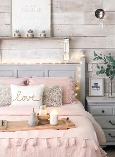 Farmhouse Bedroom Decor Ideas When your appliances fail or become outdated, you may be thinking that it's time to spruce up that kitchen with new cabinetry and some new countertops and flooring. Small House Furniture, Home Furniture, Furniture Design, Farmhouse Bedroom Decor, Home Bedroom, Rustic Girls Bedroom, Country Style Bedrooms, Vintage Teenage Bedroom, White Rustic Bedroom