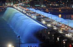 Foto de Euroden SL. #Puente Banpo en #Seúl vía @fierasdelainge