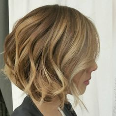 """The New Glamour ... by @sammiiwang  @schwarzkopfusa #hairpaint #balayage #bob #behindthechair"""