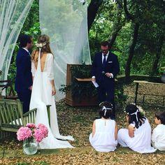 Novias Jordi Anguera !!! #wedding #weddingdress #weddingblogger #weddingplanner #weddingshoes #eltocadordelanovia #tiaras #tocados #trajesdenovia #tocadosdenovia #pendientes #atelier #alpargatas #jordianguera #lenceria #zapatos #zapatosdenovia #coronas #costura #complementos #coronasdeflores #vestidosdenovia #boda #bodas #barcelona #novia #novias #
