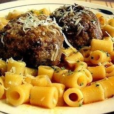 Kalofagas - Greek Food & Beyond by Peter Minakis: Manestra With Keftedes and Kofta Makaronia Steak With Blue Cheese, Greek Dinners, Greek Meatballs, Greek Cooking, Middle Eastern Recipes, Greek Recipes, Restaurant Recipes, Soups And Stews, Meatball Dish