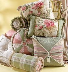 how to decorate with throw pillows - Google Search