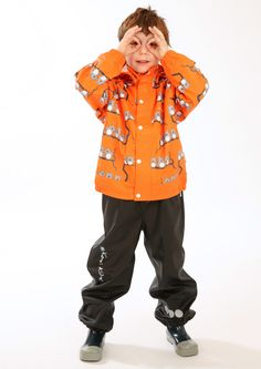 The orange Uggla (Swedish for owl) rain jacket will brighten up any rainy day and the unisex colour & design makes it ideal for both boys & girls. Jung In, Kids Up, Rain Wear, Boy Or Girl, Little Girls, Rain Jacket, How To Make, How To Wear, Winter Jackets