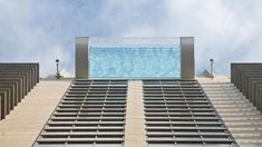 Market Square Tower's glass sky pool floats 500 ft above the ground Mykonos, Santorini, Sky Pool, Infinity Pool, Villa, Modern Pools, Rooftop Pool, Hotels, Glass Floor