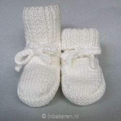 Exceptional Pregnant Tips Are Available - Diy Crafts - Marecipe Knitting For Kids, Baby Knitting Patterns, Crochet Patterns, Knit Baby Booties, Baby Boots, Crochet Baby, Knit Crochet, Play Clothing, Baby Bunting