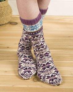 I would love to make these socks but I don't think I am ready for the color changes!
