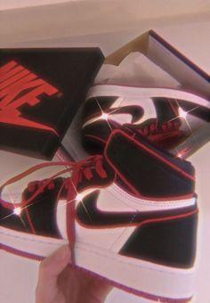 Love these kicks Jordan Shoes Girls, Girls Shoes, Zapatillas Nike Jordan, Air Max 360, Cute Sneakers, Jordans Sneakers, Outfits With Jordans, Sneakers Adidas, Nike Air Shoes
