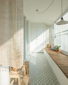 Interior Garden, Room Interior, Home Interior Design, Seoul Apartment, Veranda Interiors, Natural Interior, Apartment Balconies, Cozy Place, Cafe Design