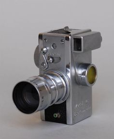 1950′s Steky 16mm Miniature Spy 1950′s Steky spy camera, made in Japan. 2.5″ by 1″. Very cool.