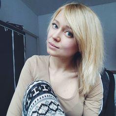 Dobrze że jeszcze dwa treningi przede mną bo ilość wolnych dni przypadająca na ostatni czas jest irytująca. Zdecydowanie wolę jak coś się dzieje. Akcja - reakcja. Ale to chyba wynika z mojego charakteru  A wy dziś leniuchujecie czy maksymalnie wykorzystujecie wolny czas?  #me #now #blonde #selfie #blondgirl  #polishgirl #instagirl #winter #bored #blondhair #longhair #blueeyes #makeup #bodybuilding #fitfam  #beauty #fitspo #healthy #lips #gymhero #holidays #natural #details #fit #gymherogirl…