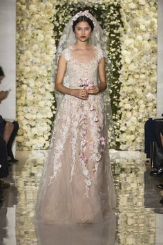 The Top 3 Bridal Trends Of 2015, According To Designer Jenny Packham