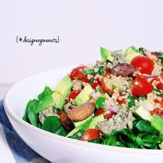 { VEGAN. RAW} Avocado Quinoa Taco Salad !