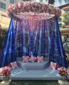 Top 10 Luxury Wedding Venues to Hold a 5 Star Wedding - Love It All Desi Wedding Decor, Wedding Hall Decorations, Luxury Wedding Decor, Wedding Mandap, Backdrop Decorations, Wedding Table, Wedding Receptions, Decoration Evenementielle, Marriage Decoration