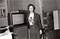 Johnny Rotten, London, England, 1979  © JANETTE BECKMAN, 1979  Johnny Rotte, aka John Lydon, at home in Nottinghill Gate, London 1979