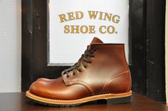 Absolutely love this classic style of Red Wing Beckman boots. Actually thinking of acquiring them for my daily job, which seems to be quite a waste. Good Work Boots, Cool Boots, Red Wing Beckman, Gentlemen Wear, Gentleman Shoes, Abercrombie Men, Red Wing Boots, Men's Shoes, Wing Shoes