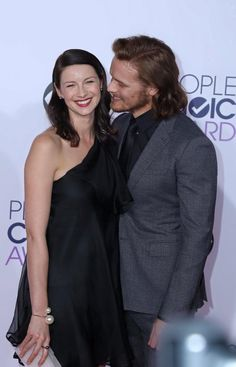 Peoples Choice Awards 1/7/15 Cait & Sam pick up award for Outlander! YEAH!!