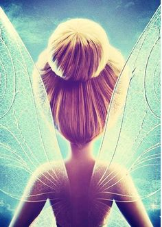 I pinned this because. it is a beautiful image and tinker bell reminds me of my niece. She LOVES tinker bell, and has made her mommy like it too. Disney Pixar, Tinkerbell Disney, Art Disney, Disney Kunst, Disney And Dreamworks, Disney Cartoons, Disney Magic, Disney Characters, Tinkerbell Wings