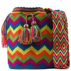 comprar bolso wayuu en madrid, wayuu, croche, bolsos hecho a mano, producto artesanal, bolsos tribales, tribalchic, tribal, bolso artesanal, bolso wayuu, bolsos wayuu, algodon, colombia, bolsos, hecho a mano Más Filet Crochet, Crochet Stitches, Knit Crochet, Crotchet Bags, Mochila Crochet, Tapestry Crochet Patterns, Tapestry Bag, Weaving Art, Beaded Bags
