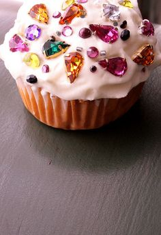 gemstone iced cupcake!