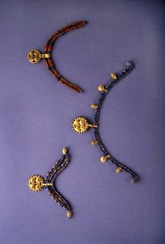 Jewelry from the Royal Tombs of  Ur Some Sumerian necklaces are very ornate.