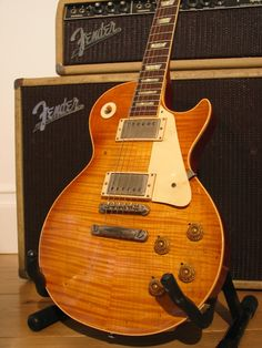 Ask any electric guitar freak what their idea of the perfect dream axe would be to have in their arsenal, and chances are very good that the answer would be a 1959 Gibson Les Paul. Gibson Guitars, Bass Guitars, 1959 Gibson Les Paul, Les Paul Guitars, Les Paul Standard, Guitar Collection, Beautiful Guitars, Vintage Music, Mandolin