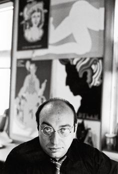 Milton Glaser is one of America's most celebrated graphic designers. His designs include the I ❤ NY logo, the psychedelic Bob Dylan poster, and the Brooklyn Brewery log Bob Dylan Art, Bob Dylan Poster, The Great Discontent, Brooklyn Brewery, Milton Glaser, Communication Art, Cultura Pop, Branding, New York