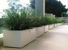 17 ideas garden beds concrete planter boxes for 2019 Concrete Planter Boxes, Trough Planters, Garden Planter Boxes, Garden Troughs, Garden Fencing, Garden Beds, Wooden Raised Garden Bed, Raised Planter, Concrete Patios