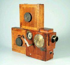 Old movie hand cranked camera ( 1897)