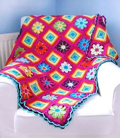 Crochet - Blanket--I think I may have pinned this one before but it is so beautiful, I can't resist.  No pattern.