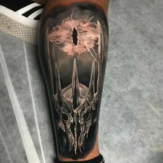 Lord of the Rings Tattoo by Damon Tattoos Herr der Ringe Tattoo von Damon Tattoos Ring Tattoos, New Tattoos, Body Art Tattoos, Tattoos For Guys, Sleeve Tattoos, Cool Tattoos, Tatoos, Lotr Tattoo, Star Wars Tattoo