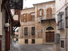 ~ Old town of Xanthi ~ photo by TBoH Places Ive Been, Places To Go, Places In Greece, Old Town, Summertime, Explore, Mansions, Architecture, House Styles
