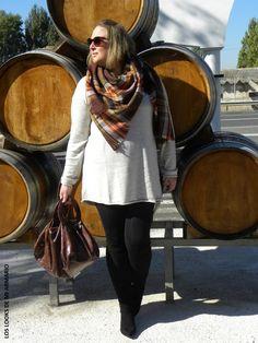 Look OVER KNEE BOOTS. LOS LOOKS DE MI ARMARIO. CURVY Girl· Trendy Curvy - Plus Size Fashion Blog  #loslooksdemiarmario #winter #primark #outfitcurvy #invierno #look #lookcasual #lookschic #tallagrande #curvy #plussize #curve #fashion #blogger #madrid #bloggercurvy #personalshopper #curvygirl #lookinvierno #lady #chic #looklady  #bufandamanta #tartan #vestidoancho #zara #botasmosqueteras #look #outfit #lookbotasaltas #vestidooversize #oversize #vestidoXXL #overkneeboots #botasnegras