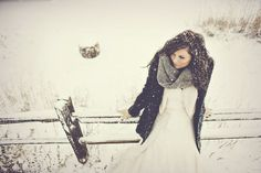 makes me want a winter wedding!