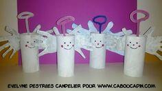 ange de Noël avec des rouleaux de papier toilette en carton #bricolage #noel #Noël #décoration #activité #maternelle #caboucadin #sapin #père #renne  http://www.caboucadin.com d'autres idées de Noël sur http://www.caboucadin.com/activites-de-noel.php