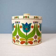 Large Mid Century Bisquick Tulip Tin - my Mom actually has this, very nostalgic :)