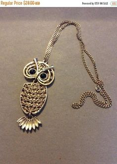 Holidaypreview Vintage Coventry Owl Pendant with large onyx