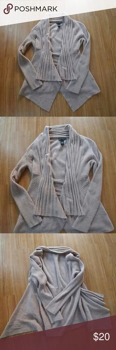 Beautiful cardigan/Price Firm Worn once like new condition mercer&madison Sweaters Cardigans