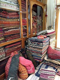 Shopping in India by Joanna Williams