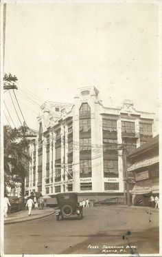 at street Escort location: Escort, Manila Philippines Wa . Vintage Pictures, Old Pictures, Old Photos, Philippines Culture, Manila Philippines, Philippine Architecture, Philippine Holidays, Past, Explore