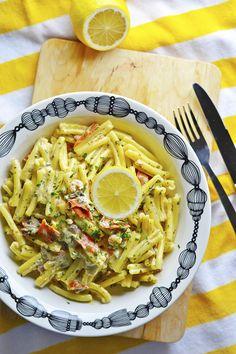 Lempeä Kylmäsavulohipasta Pasta, Ethnic Recipes, Food, Eten, Noodles, Meals, Pasta Dishes, Diet