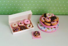 Donut Miniatures - Little Things by Anna - http://www.etsy.com/shop/littlethingsbyanna