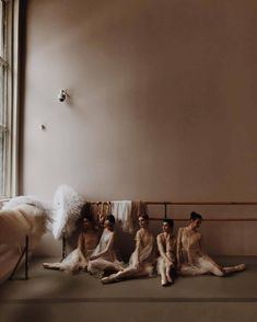 See more ideas about Ballet beautiful, Dance photography and Ballet dancers. Ballet Gif, Ballet Dancers, Ballerinas, Dance Moms, Dance Hip Hop, Dance Aesthetic, Ballet Dance Photography, Ballet Fashion, Ballet Inspired Fashion