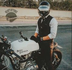 #helmetsmotorbike #helmets #motorcycles #Japan #Vietnam #Hanoi #số9xómHạHồi Fanpage : Helmets Motorbike