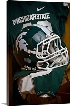 Michigan State Football Picture at Michigan State Spartan Photos Michigan State Football, College Football Helmets, Michigan State University, Football And Basketball, School Football, Hockey, Ohio, Colleges In Michigan, Msu Spartans