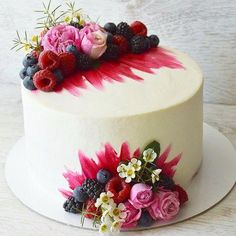 Cake Decoration ideas Inspiration & Instruction to Improve Your Cake Designs How to Ice a Cake is a supportive community of cake decorating enthusiasts. Fancy Cakes, Mini Cakes, Cupcake Cakes, Baking Cupcakes, Pretty Cakes, Beautiful Cakes, Amazing Cakes, Decoration Patisserie, Bolo Cake