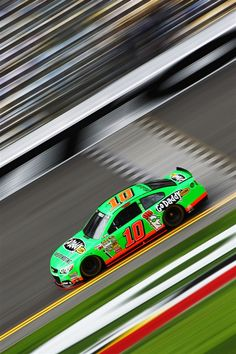 Danica Patrick becomes first woman to win pole for Daytona 500, any Sprint Cup race - PhotoBlog