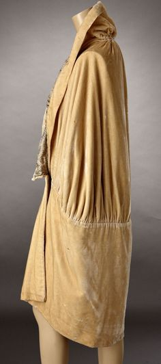 1920s Pale Gold Silk Velvet Cocoon Cape Lined in Gold Lame. Sideway