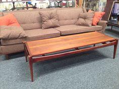 Mode century Lane walnut coffee table